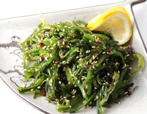 japanese-wakame-cucumber-salad